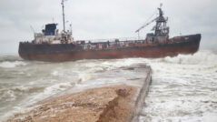 PHOTO/VIDEO A Tanker Under Moldova's Flag Ran Aground Increasing the Pollution Level Near Odessa