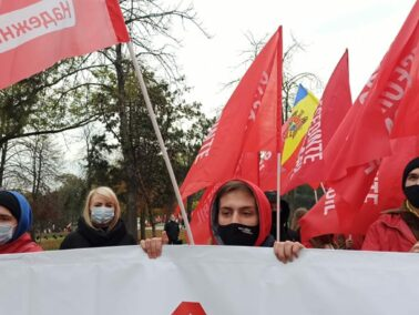 Organized March in Chisinau: The Socialists Party Gathered Supporters For the Independent Candidate Dodon in the Presidential Race