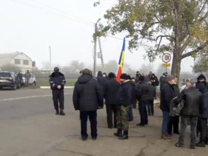 How People in the Breakaway Transnistria Region of Moldova Express Their Right to Vote in the Second Round of Elections