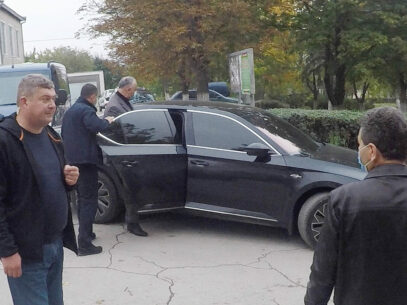 RACING TO PRESIDENTIAL VICTORY IN UNDECLARED CARS