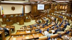 The Socialists Sign a Declaration for Not Dissolving the Parliament