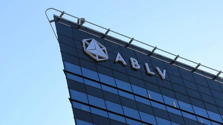 Дело ABLV: через латвийский банк в ЕС шел поток «грязных денег» из России и Беларуси