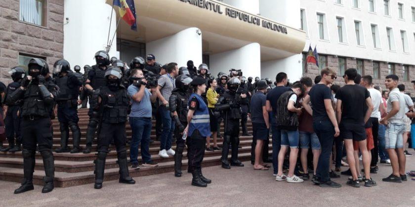 Антиолигархический путч в Молдове: самое интересное и важное
