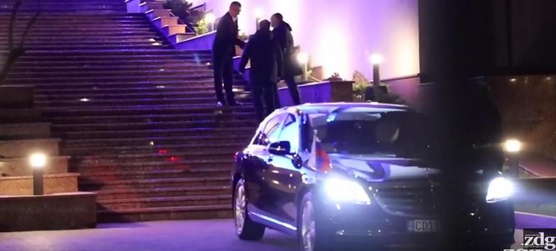 ВИДЕО/ Репортеру «ZdG» вынесли «запрет» на вечеринку журналистов в Президентуре, организованную Игорем Додоном