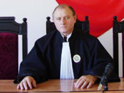 Doi judecători demişi de CSM, salvaţi de CSJ