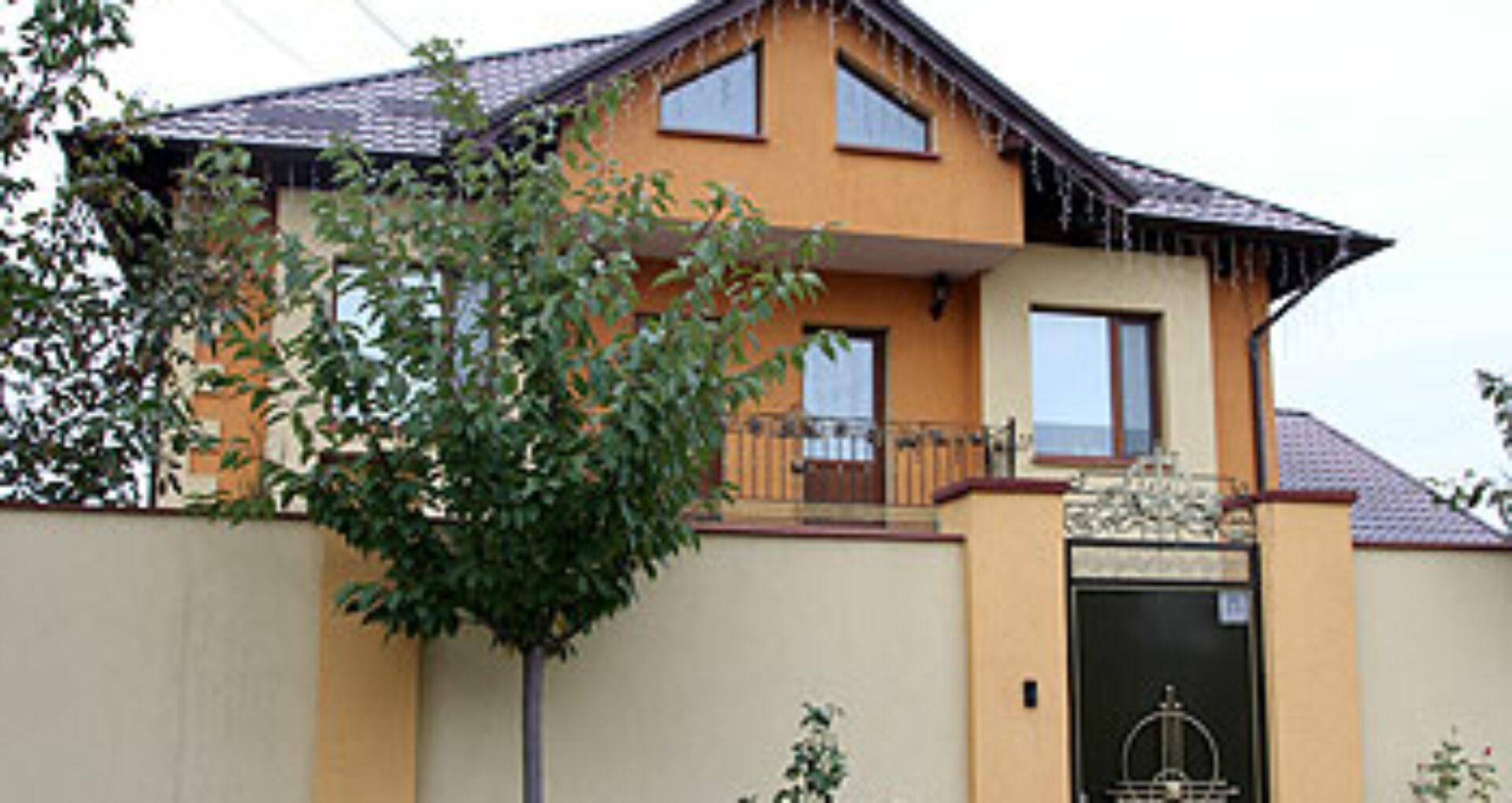 Cum arată casa Lilianei Palihovici, care și-a depus mandatul de deputat și vicepreședinte al Parlamentului