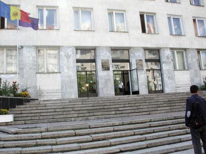 CV-urile şi averea noilor şefi ai PCCOCS şi Procuraturii Chişinău