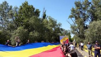 pod-tricolor-sculeni (1)
