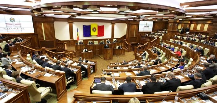 19.02.2015-parlament-702x336