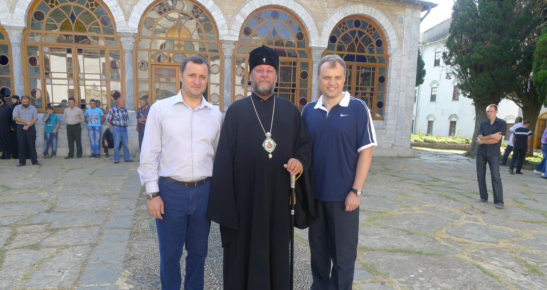 Mitropolitul Vladimir îl apără pe Filat – Ziarul de Gardă