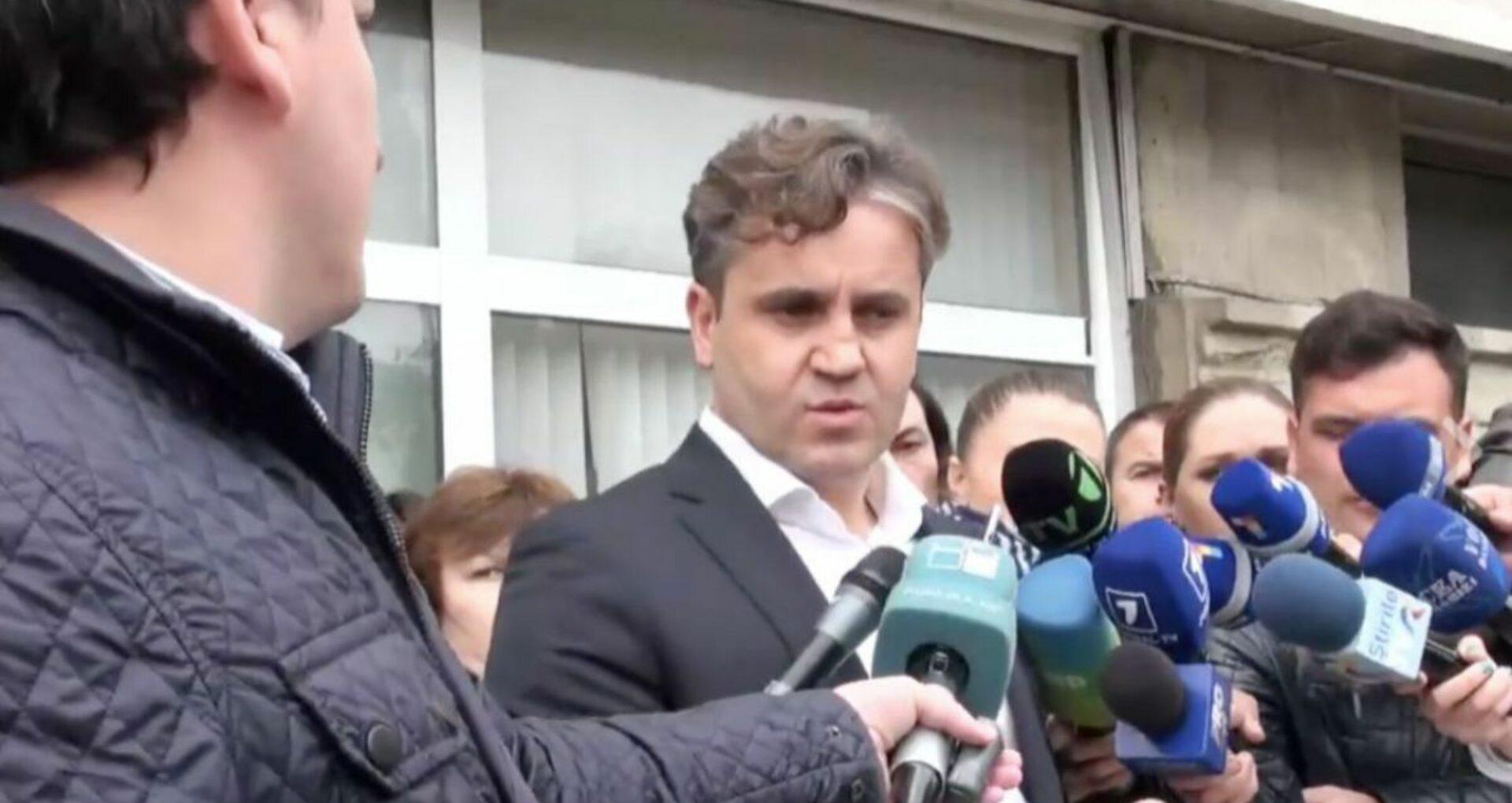 Judecătoria Buiucani a emis mandat de arest de 30 de zile pe numele lui Vlad Filat. Avocații vor contesta decizia  la CA