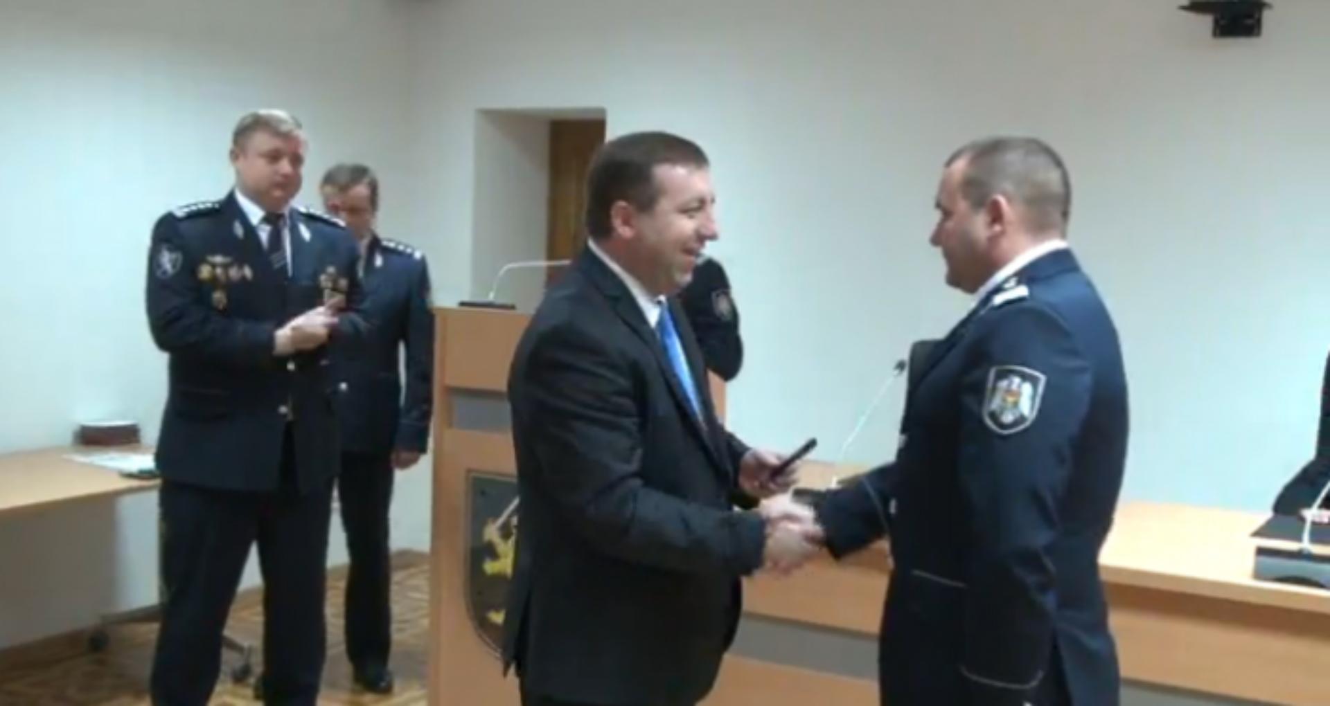 """Fostul comisar de Fălești, demis pentru gestionare defectuoasă a cazului """"Pădurea Domnească"""", a fost avansat în grad"""