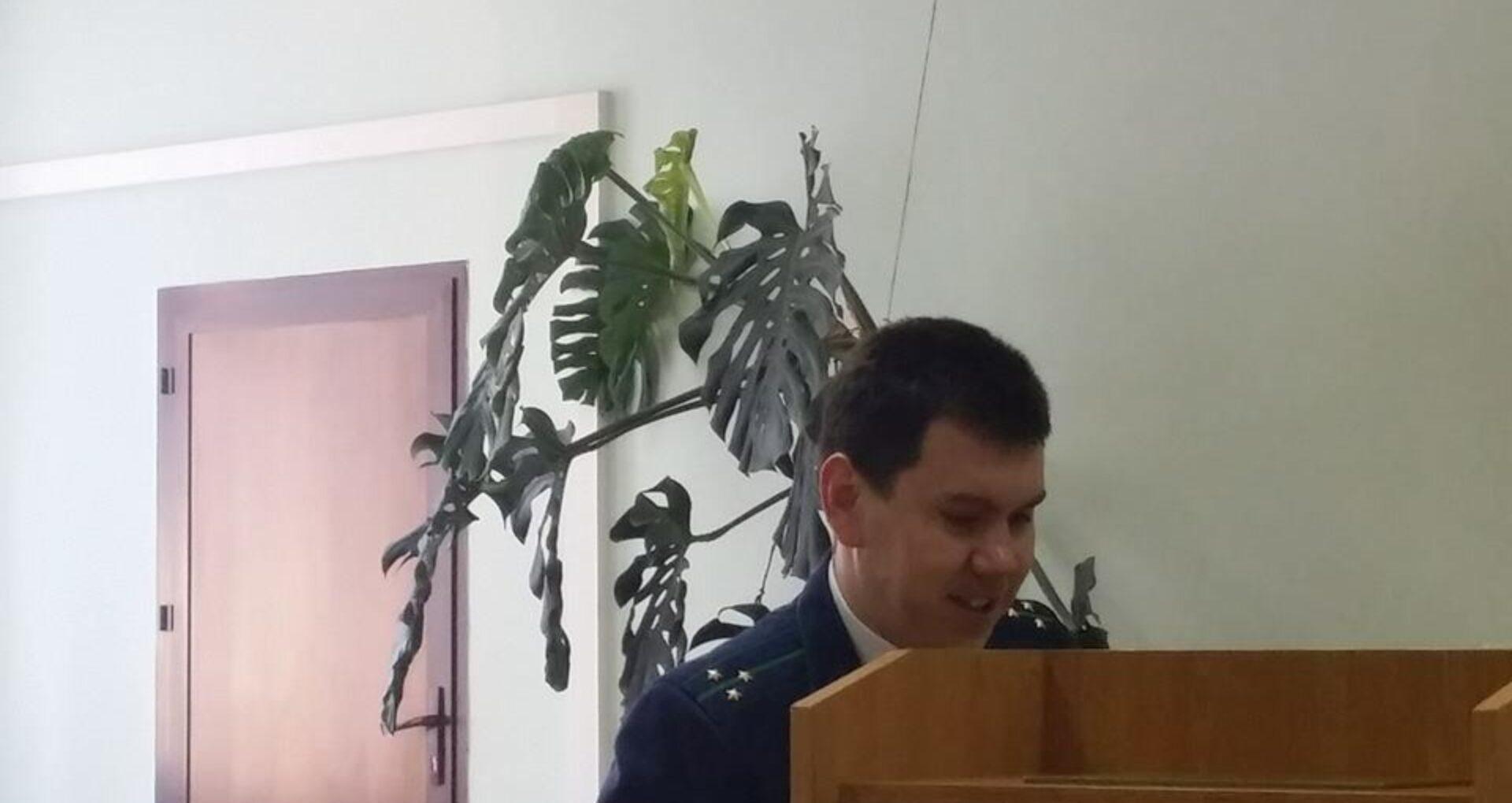 (foto) Procurorul care a cerut 12 ani de închisoare pentru tânăra din Strășeni care crește 5 copii