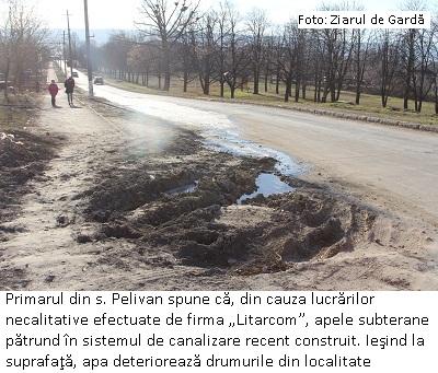 """9 mic 1 Din cauza lucrărilor necalitative efectuate de firma """"Litarcom"""", spune primarul, apele subterane pătrund în sistemul de canalizare proaspăt construit și ies la suprafață. pelivan"""