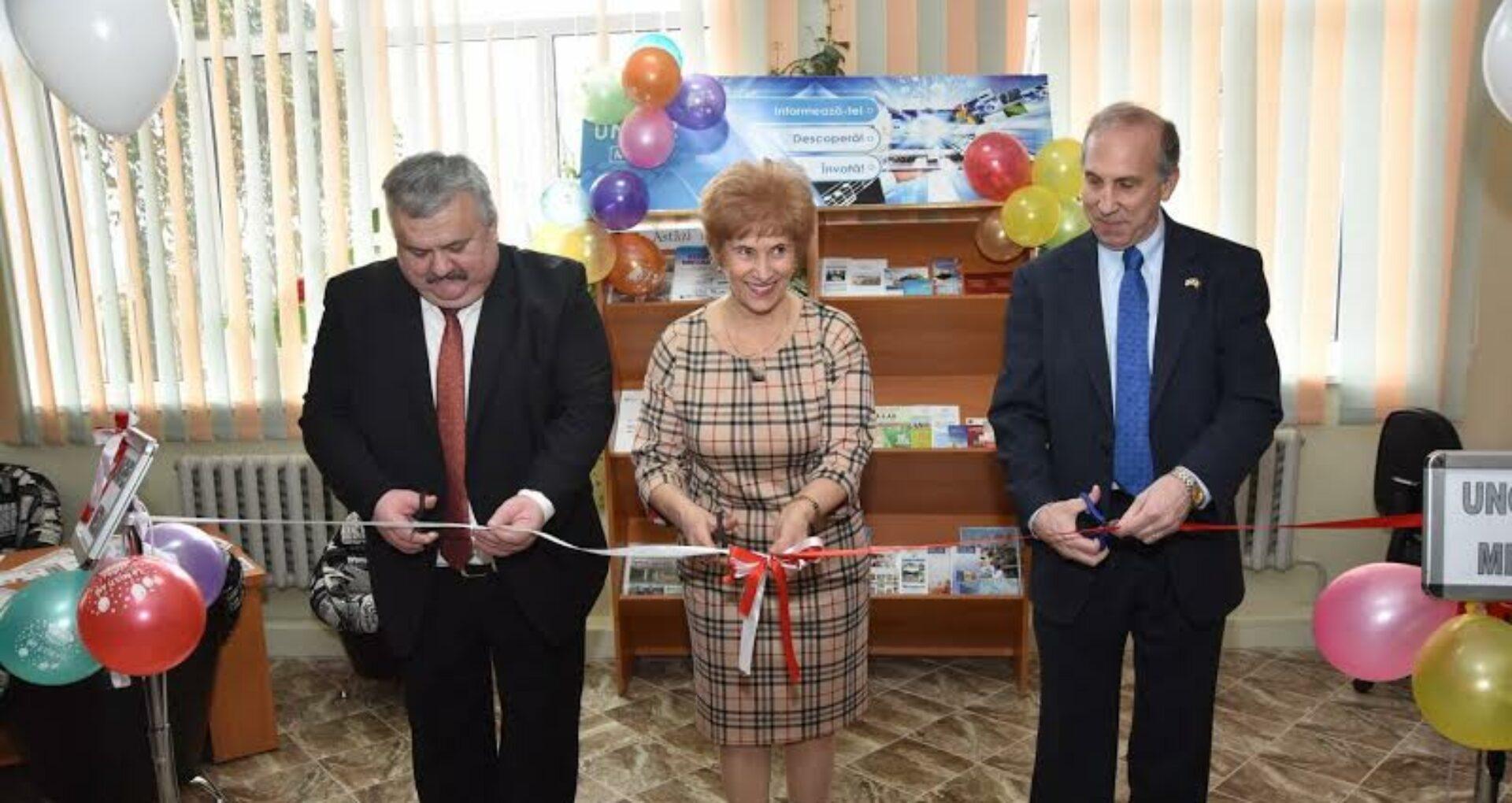 Ambasadori străini la biblioteca din Telenești