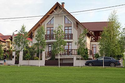 Radu Blaj locuieşte într-un imobil de lux din Stăuceni, mun. Chişinău