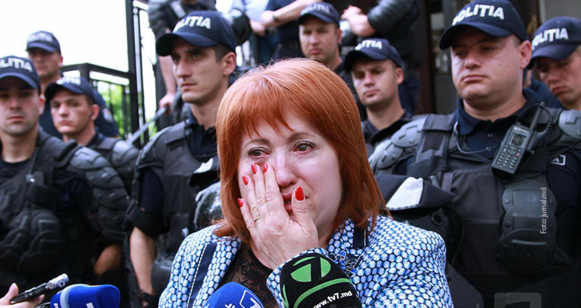 Cum justifică autorităţile dosarul penal pe numele magistratei Domnica Manole