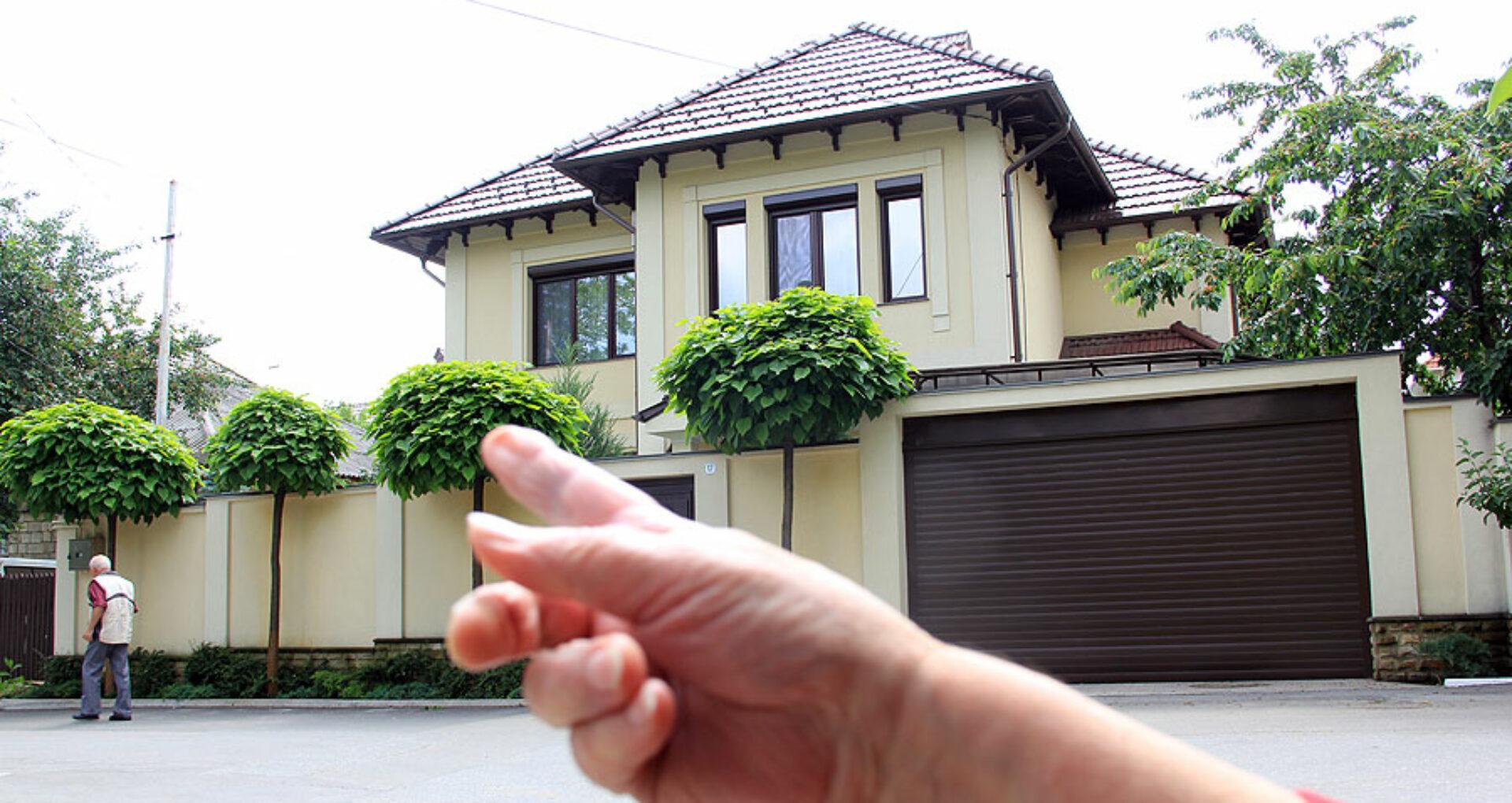 (foto, doc) Cum arată casele judecătorilor de la CSJ