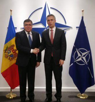 Ambasador Renita si Secretarul General NATO