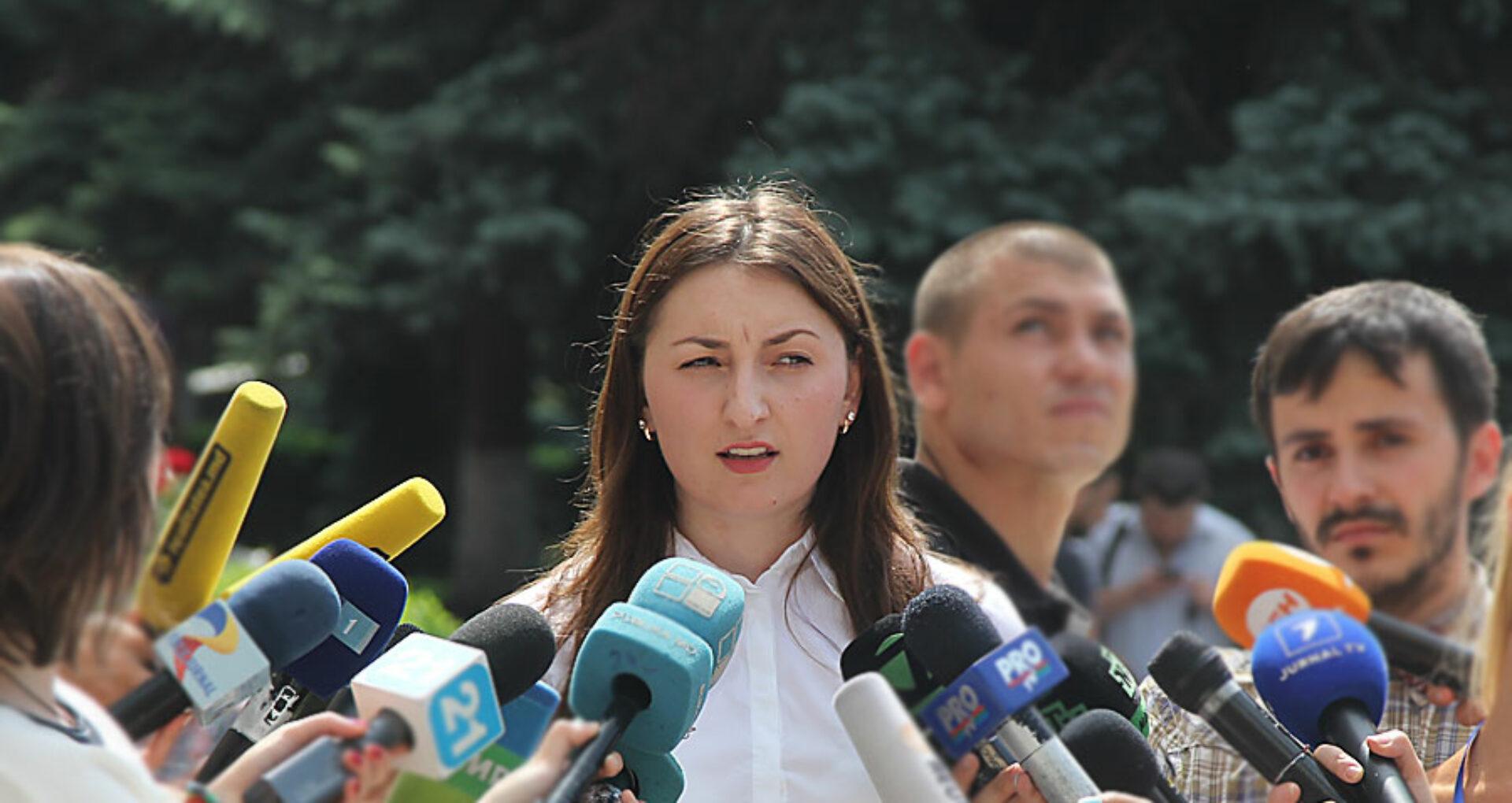(doc, foto, video) Cariera, averea și dosarele  Adrianei Bețișor