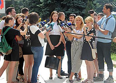 Adriana Bețișor discută cu presa după ce a reușit să obțină condamnarea lui Vlad Filat la 9 ani de închisoare