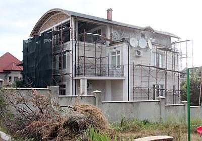 """Casa lui Veaceslav Ceban, fondatorul """"Get Premium"""" SRL"""