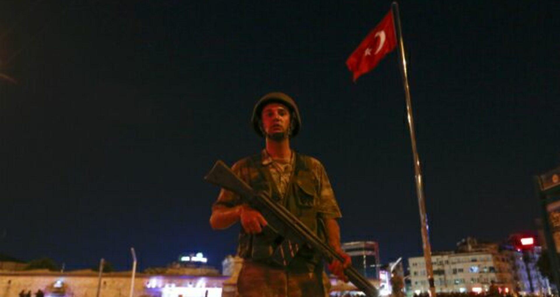 Televiziunea de stat turcă și-a întrerupt emisia. Un elicopter militar a deschis focul deasupra capitalei