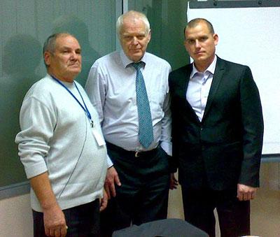 Alexandru Ursu alături de tatăl său, Timofei Ursu, și Thomas Hammarberg, comisarul Consiliului Europei pentru Drepturile Omului