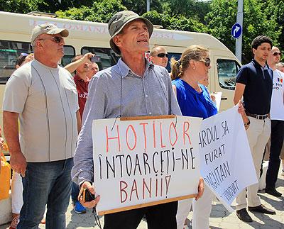 Timp de șase ani, veteranul protestează împotriva guvernanților