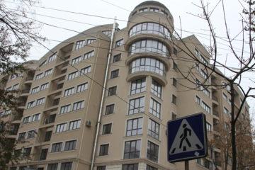 Blocul din centrul capitalei în care Mihai Ghimpu deține un apartament de 160 m.p., cumpărat în 2014
