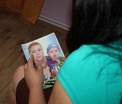 Deja a doua zi după înmormântare, Tatiana a fost nevoită să revină la muncă pentru a putea întoarce datoriile soțului