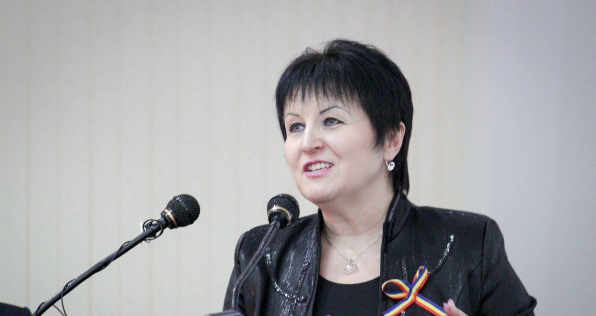 Prezidențiabila Ana Guțu: între afaceri la locul de muncă și politică