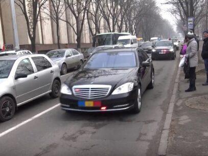 (VIDEO) După investirea lui Igor Dodon în funcție, mașina prezidențială a fost surprinsă pe contrasens