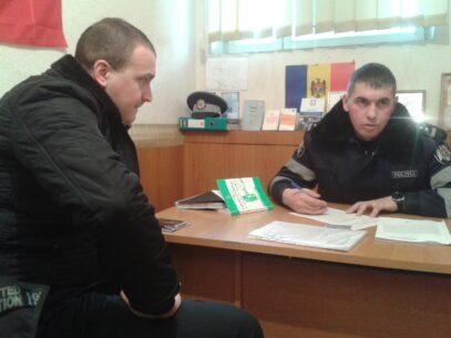 (VIDEO) Poliția i-a aplicat două amenzi lui Alex Dimitrov la plângerea procurorului Dulgheru