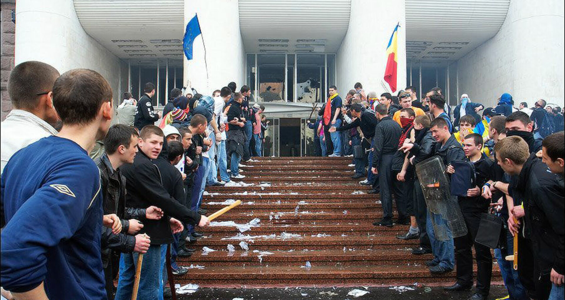 """Igor Dodon: """"Cum se simte Maia Sandu în clădirea distrusă de colegii ei politici pe 7 aprilie și reparată apoi cu greu? Până în 2009 în Moldova s-a trăit mai bine"""""""