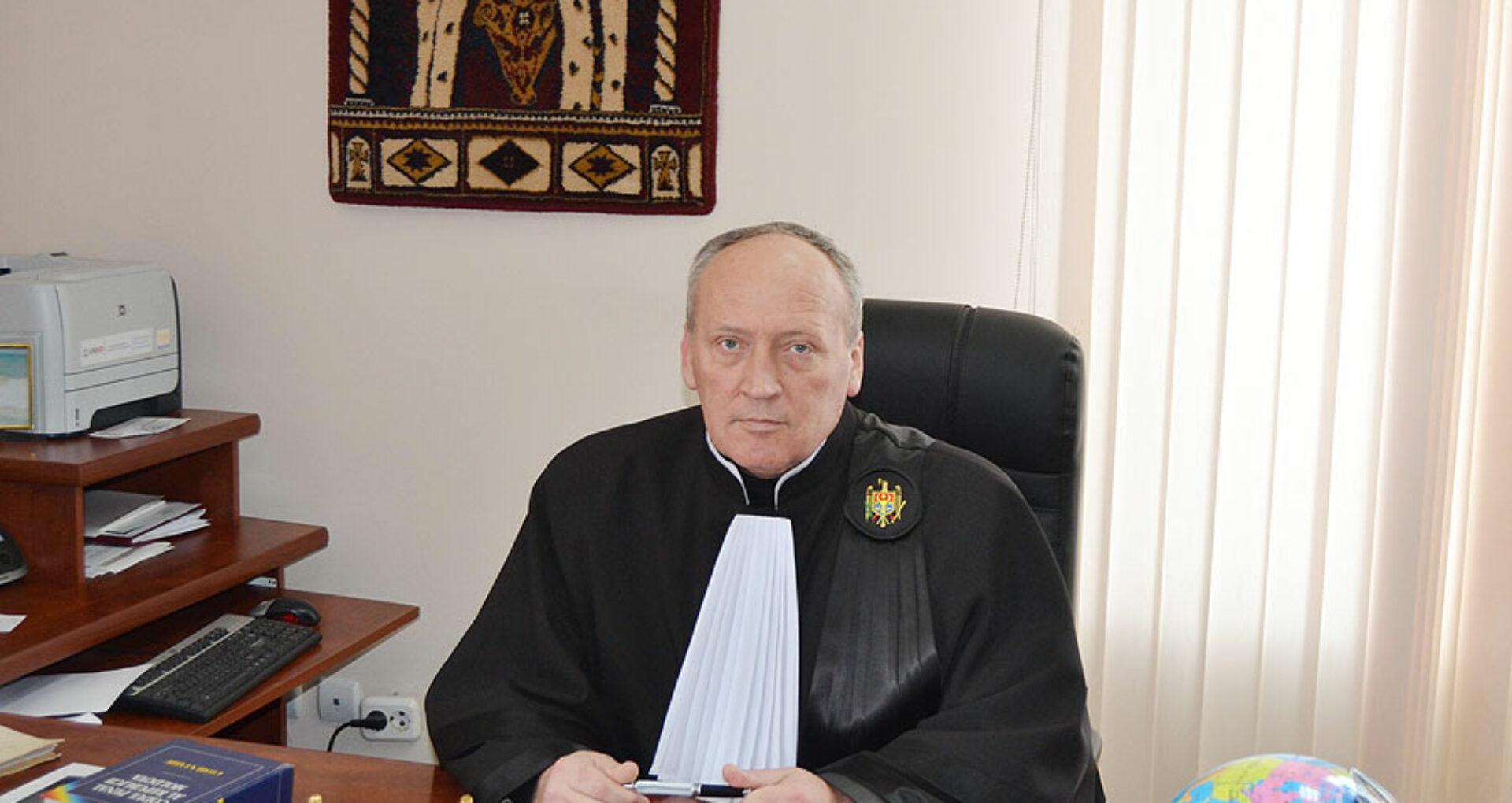 DOC/ Un alt judecător acuzat că ar fi luat mită, achitat de instanţele de judecată