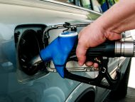 Se scumpesc carburanții. Prețurile cresc cu 6-10%