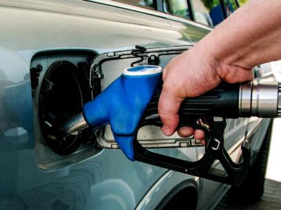 """""""Rezervorul de combustibil are 45 litri, dar mi-au turnat 52 litri"""" – am fost sau nu mințit?"""