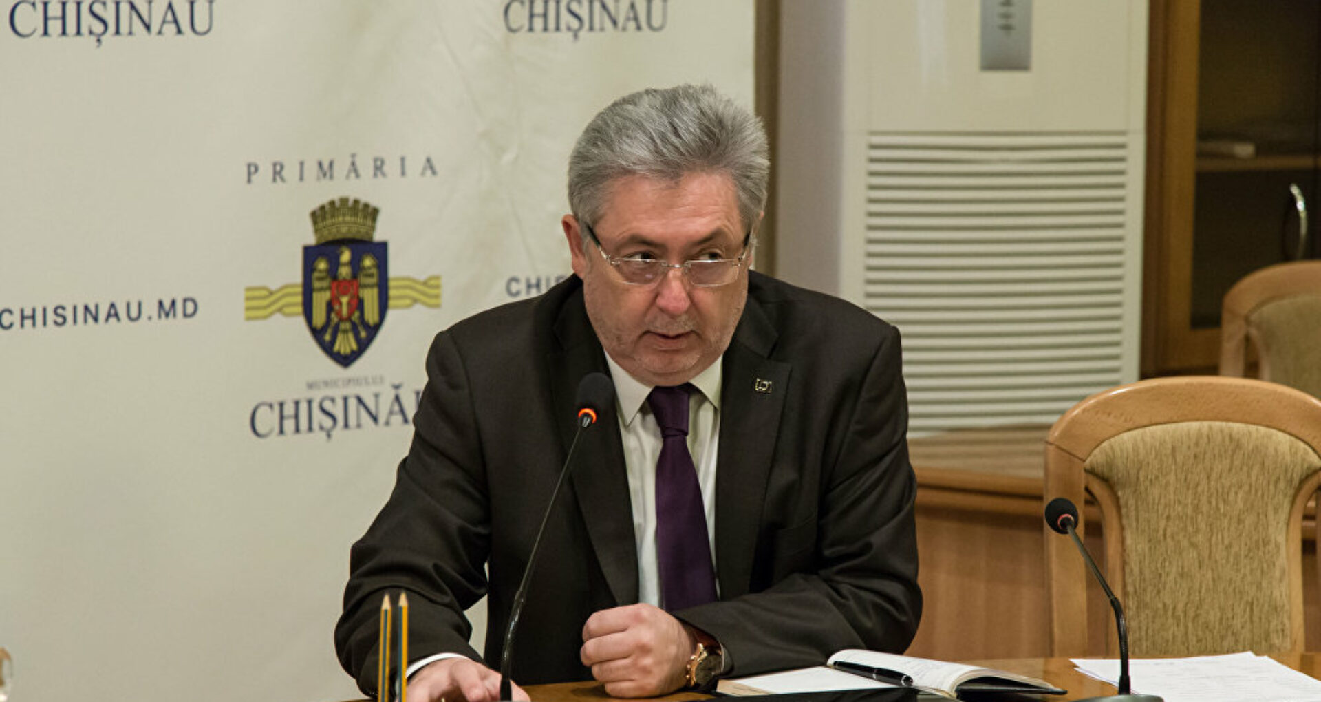 Viceprimarul Nistor Grozavu a revenit la conducerea Primăriei