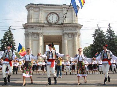 """Cât costă organizarea Sărbătorii Naţionale """"Limba noastră cea Română"""""""