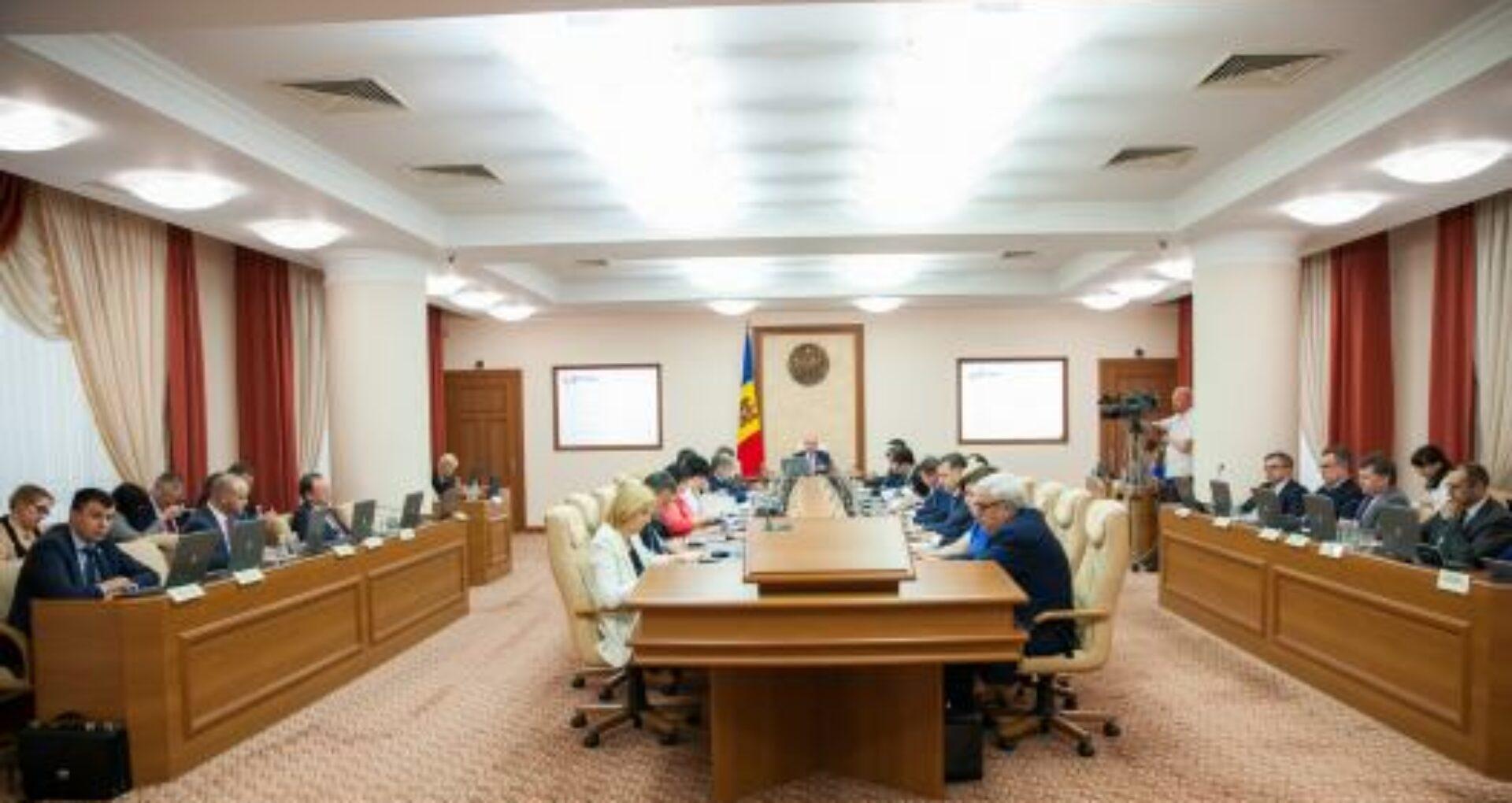 """Cea mai mare """"bătălie"""" se dă la Ministerul Apărării! Cine sunt candidații la funcțiile de secretar general de stat în cadrul ministerelor"""