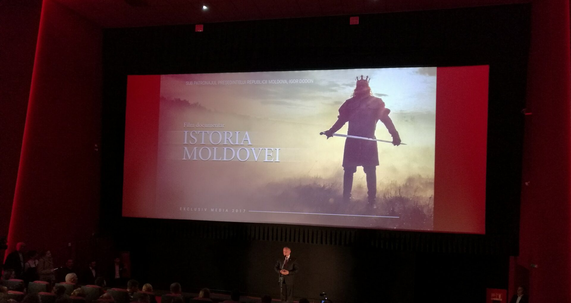 După ce a aterizat de la Moscova, Dodon a mers direct la cinematograf
