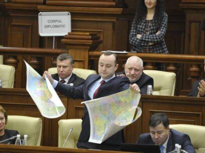 Cine sunt deputații care s-au pronunțat împotriva limbii române în Constituție