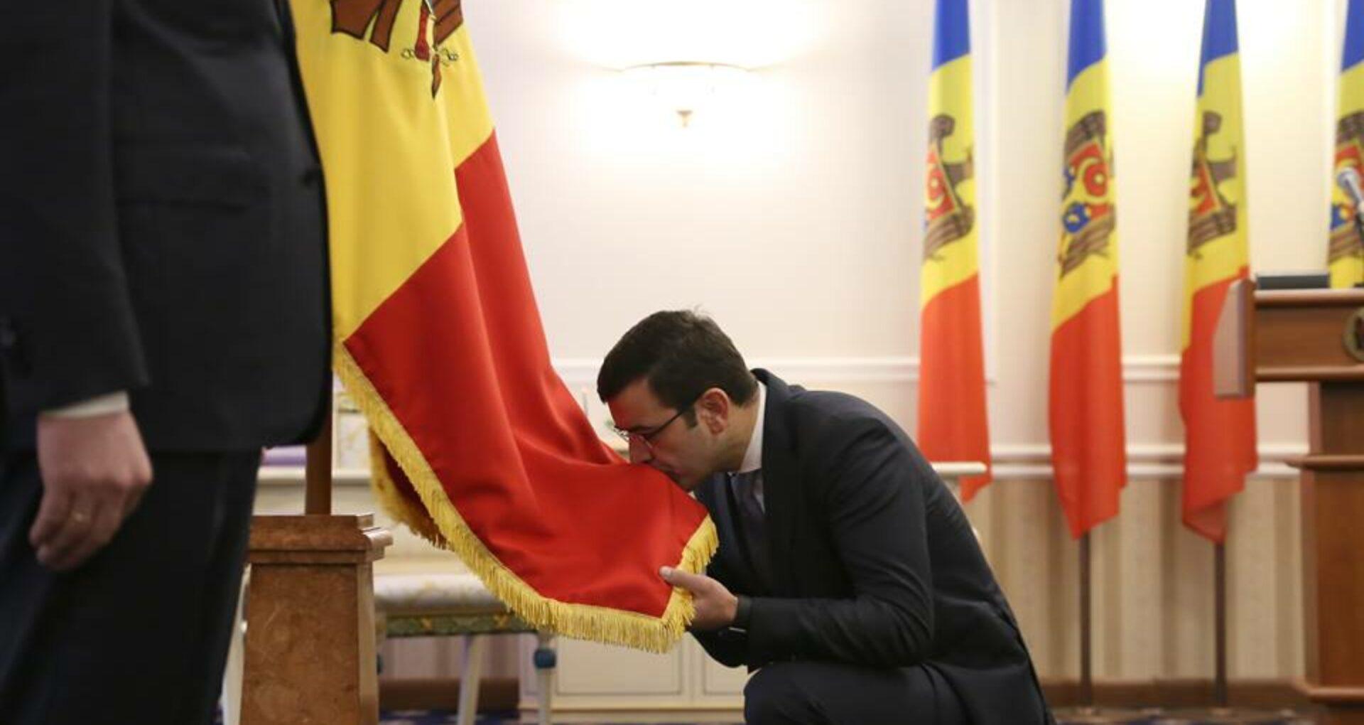 (Galerie Foto) Noii miniștri au depus jurământul de învestire
