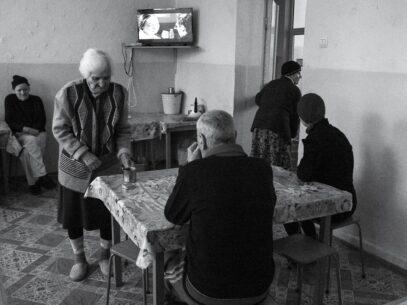 (FOTOREPORTAJ) Memoriile unui azil de bătrâni