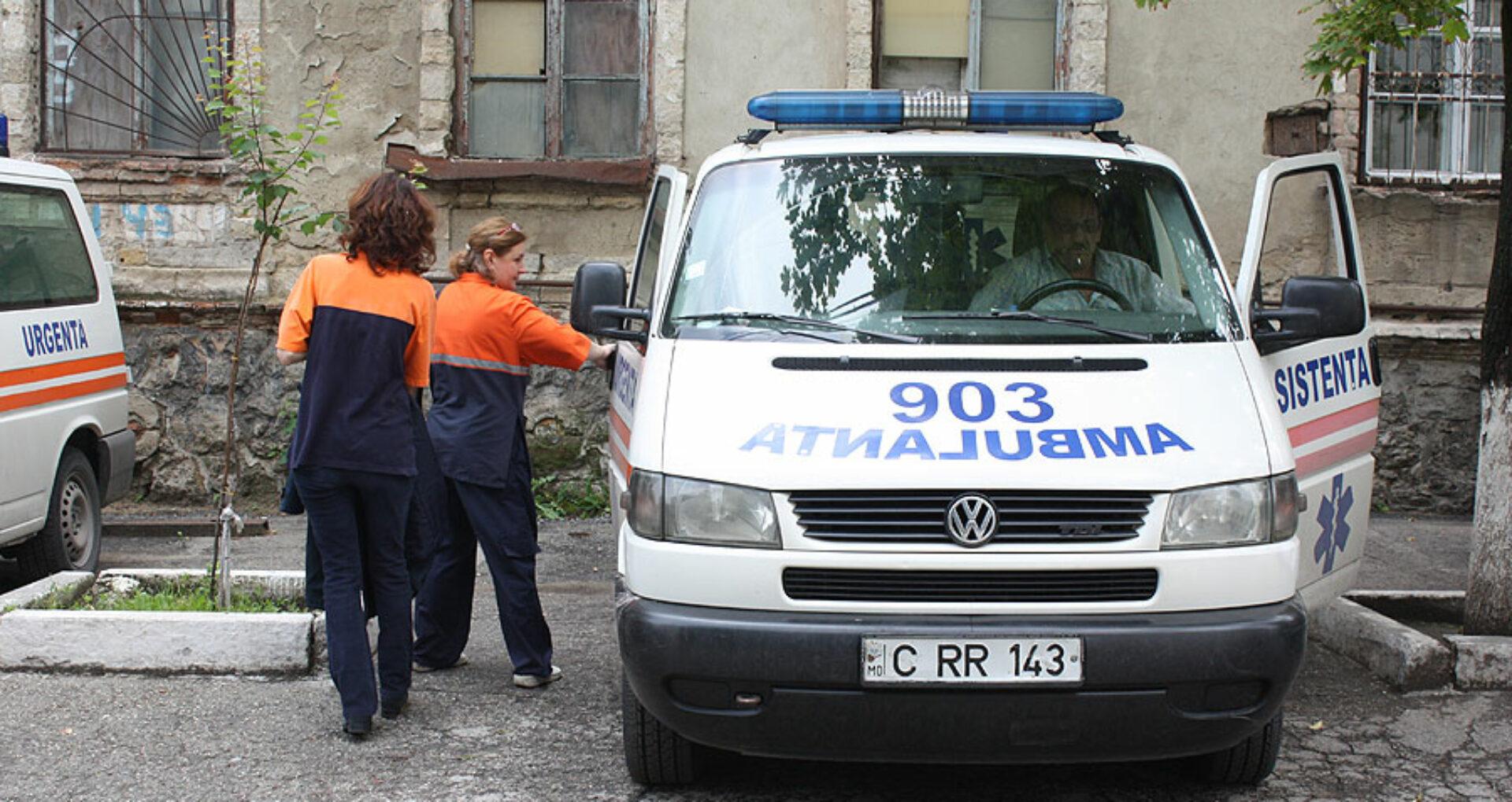 Premierul a solicitat concedierea mai multor persoane în cazul bărbatului care a decedat în stradă
