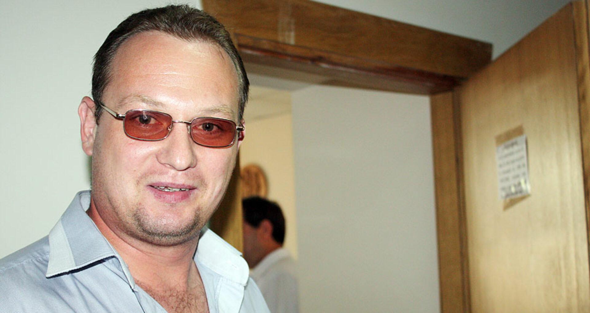 Procurorul care a cerut jumătate de  milion de lei de la ZdG, a primit statut  de inculpat în două dosare penale
