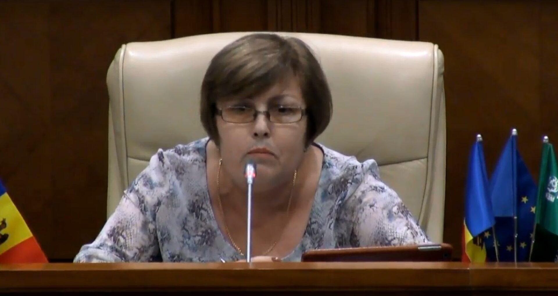 """Deputații, nemulțumiți de Stindardul președintelui Parlamentului: """"E rușinos să veniți cu așa proiect"""""""