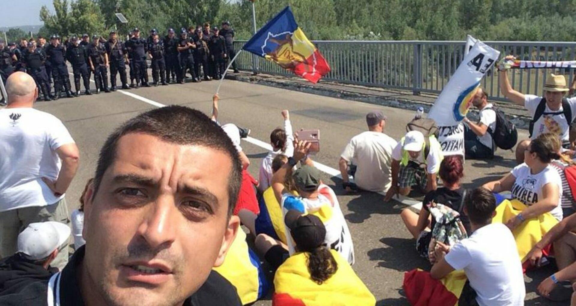 Participanții la Marșul Centenar sunt blocați în vamă de două zile. Explicația Poliției de Frontieră a R. Moldova