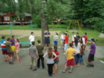 Doi educatori minori, în stare de ebrietate, ar fi maltratat mai mulți copii la o tabără din Vadul lui Vodă